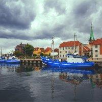 Рыболовные судна в бухте Хельсингёра, Дания :: Ирина Лепнёва