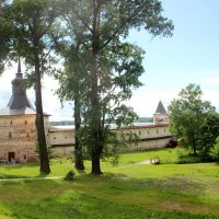 На территории Кирилло-Белозерского монастыря. :: Ираида Мишурко