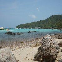 На острове Ко Лан :: Юрий Кийко