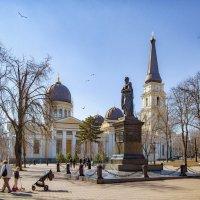 Полдень 8 марта: Еще один взгляд, на Соборную площадь. :: Вахтанг Хантадзе