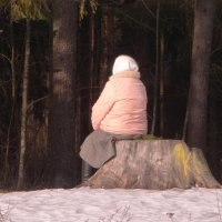возможно Маша, возможно ждёт Медведя :: Михаил Жуковский