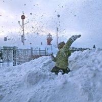 салют из снежного окопа :: Елена