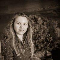 Девочка с книжкой :: Алёна Лепёшкина
