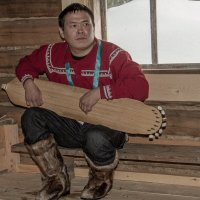 В хантыйском жилище звучит Нарс Юх... :: Дмитрий Сиялов