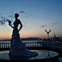 Невестушка... набережная Геленджик :: Galina ✋ ✋✋