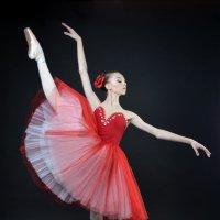 Виктория... Она обязательно станет примой театра! :: Olesya