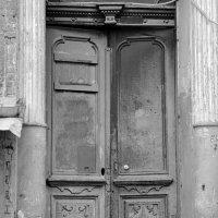 Старушка дверь. :: Стас