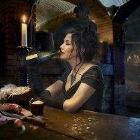 Женщина с бутылкой :: Виктор Седов