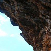 Остров-скалы вымывают воды Байкала :: MarinaZi .