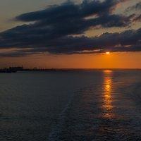 Закат на Северном море :: Valentina M.