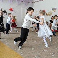 Танец... :: Александр Мартынов