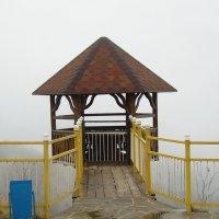 Адыгейские горы в тумане. Не видно ни зги... :: татьяна