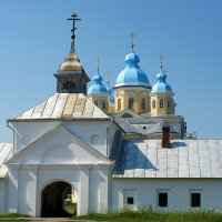 Восточные ворота Коневского Рождество-Богородичного монастыря :: Елена Павлова (Смолова)