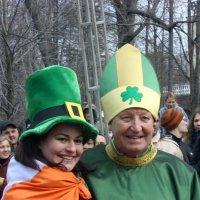 """Даже """" Святой Патрик  """"не смог  отказать  в  совместном  фото девушке ! :: Виталий Селиванов"""