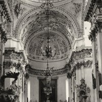 В храме :: Роман Савоцкий