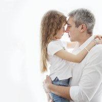 Папочка с дочкой :: Юлия Шестоперова