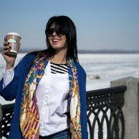 Утро, кофе, солнце :: Julia C.