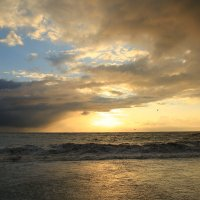 Море перед штормом :: valeriy khlopunov
