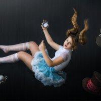 полет в кроличьей норе :: Татьяна Исаева-Каштанова