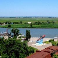 Азов. Вид с Крепостного вала на порт и донскую пойму :: Нина Бутко