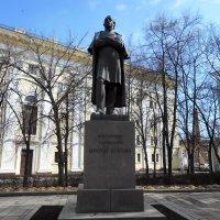 Памятник Константину Циолковскому :: Tarka