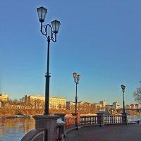 Прогулка по набережной.. :: Vladimir Semenchukov