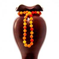 Деревянная ваза, украшенная бусами :: Сергей Тагиров