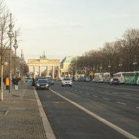 Берлин. Наши в городе... :: Александр