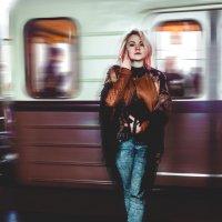 Успей в свой вагон :: Анастасия Рыжова