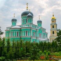 Свято-Троицкий Серафимо-Дивеевский монастырь :: Tanya Petrosyan
