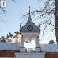 Свято-Введенский Толгский монастырь. Южная воротная башня. Вход в кедровник :: Алексей Шаповалов Стерх