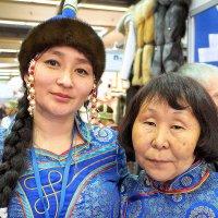 мама с дочкой :: Олег Лукьянов