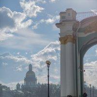 Исакиевский собор. Вид с Дворцовой площади :: Александр Заварухин
