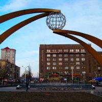 Привокзальная площадь с другой стороны. Харьков. :: Любовь К.
