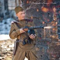 Огонь по врагу! :: Дмитрий Головин