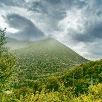 Облачные  образы в горах Кавказа :: Виктор Заморков