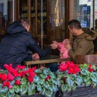 Пока мама в магазине... :: Виктор Льготин