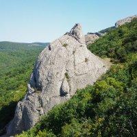 «Капля» на скале. Крым. :: Serega