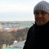 Я тут нарисовался с Колоннады Исакиевского собора :: Михаил Поскотинов