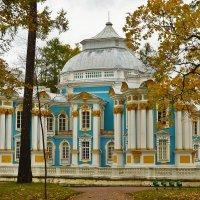 Посреди золотой осени... :: Sergey Gordoff