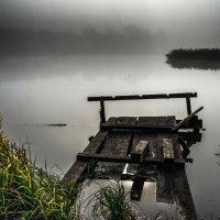 Туман на реке :: Михаил