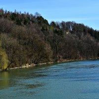 Весна плывет по реке ... :: Владимир Икомацких