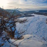 Река в ледовом панцыре :: Анатолий Иргл