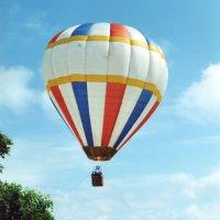 Воздушный шар на городом... :: Николай Варламов
