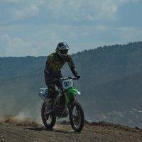 мотокросс, мотоцикл, мотокроссмен :: Ольга Логинова