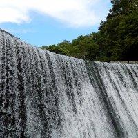 И   как  водится , как же в горах  без  водопада  ! Вот  Водопад... :: Игорь Пляскин