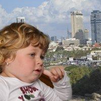 с видом на Тель Авив :: Ефим Хашкес