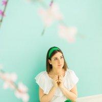 Светлая Пасха: девушка молится :: Ирина Вайнбранд