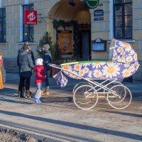 Гигантская детская коляска :: Дина Мазаник