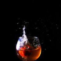 клубничное вино :: Юрий Кальченко